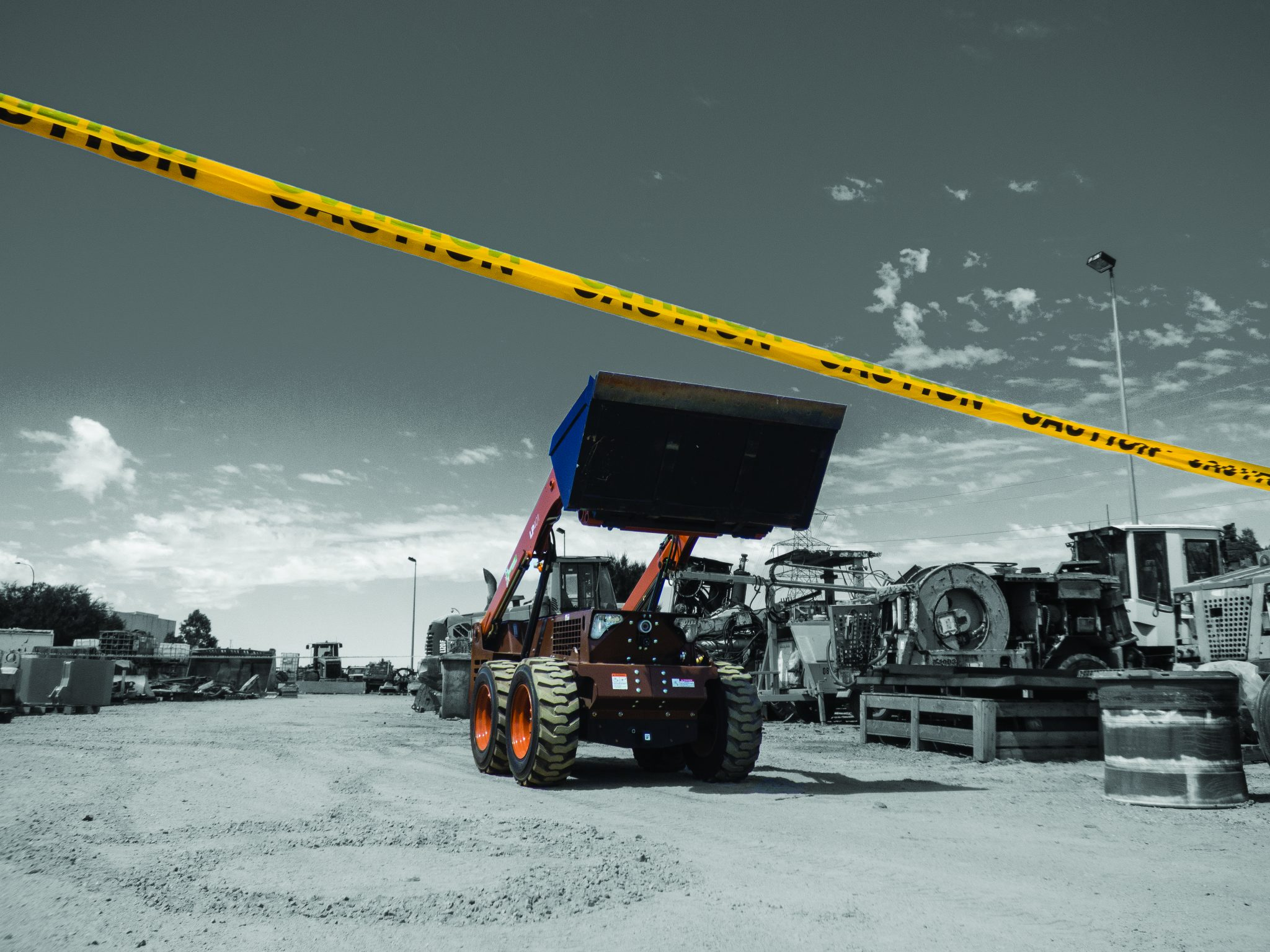 LP401 Grayscale- Front View Bucket Up In Lay Down Yard_