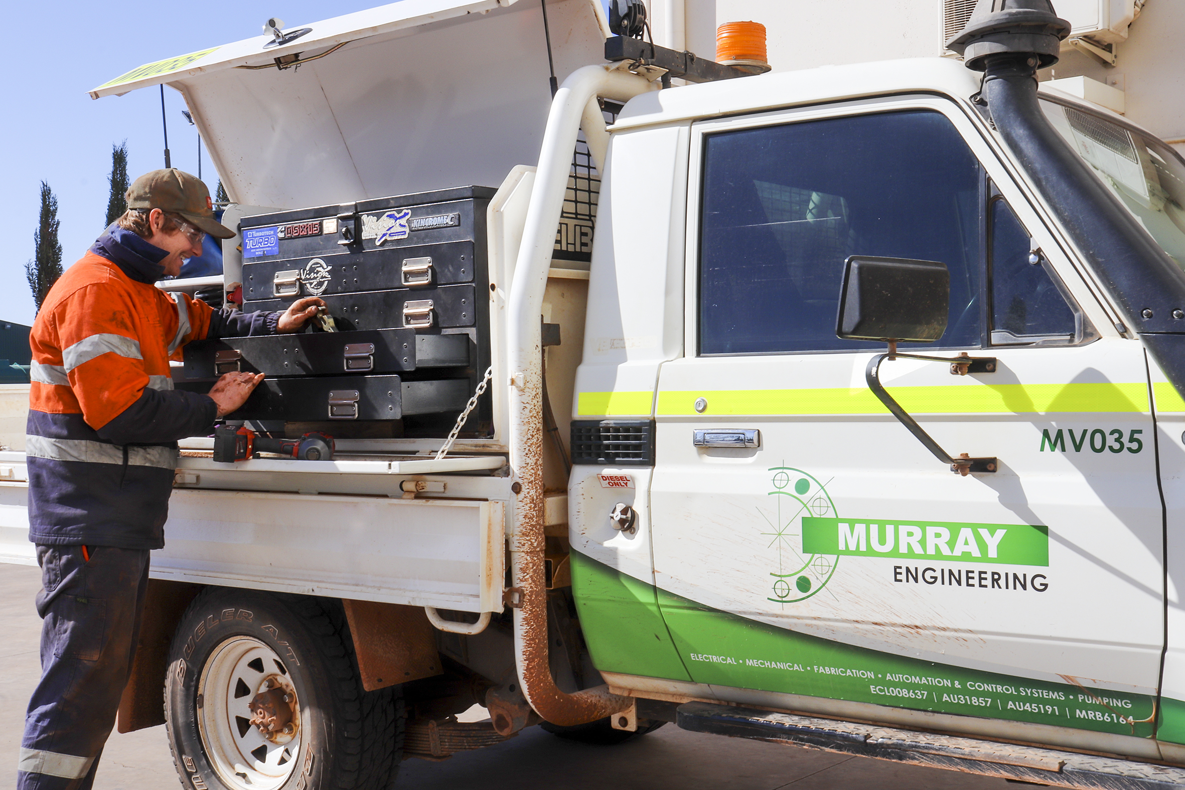 Mechanical Field Service truck operated by Murray Engineering.