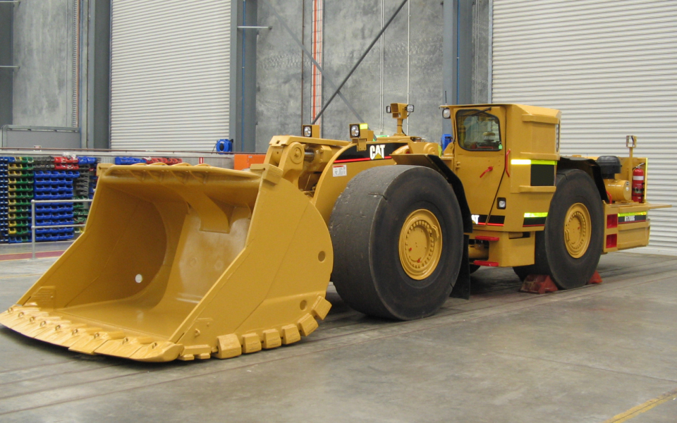 CAT R1700G available to hire or buy through Murray Engineering, for underground or open pit mining.