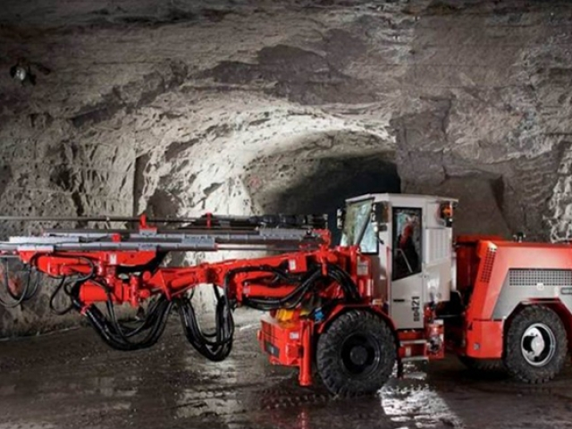 Sandvik DD421 available to hire or buy through Murray Engineering. Suitable for underground or open pit mining