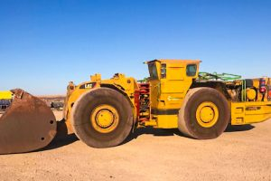 CAT R2900 Bogger/Loader/LHD for Hire